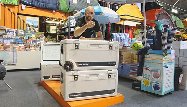 DOMETIC COOL ICE WCI 85 Rotomoulded icebox   can be used for either HOT or COLD