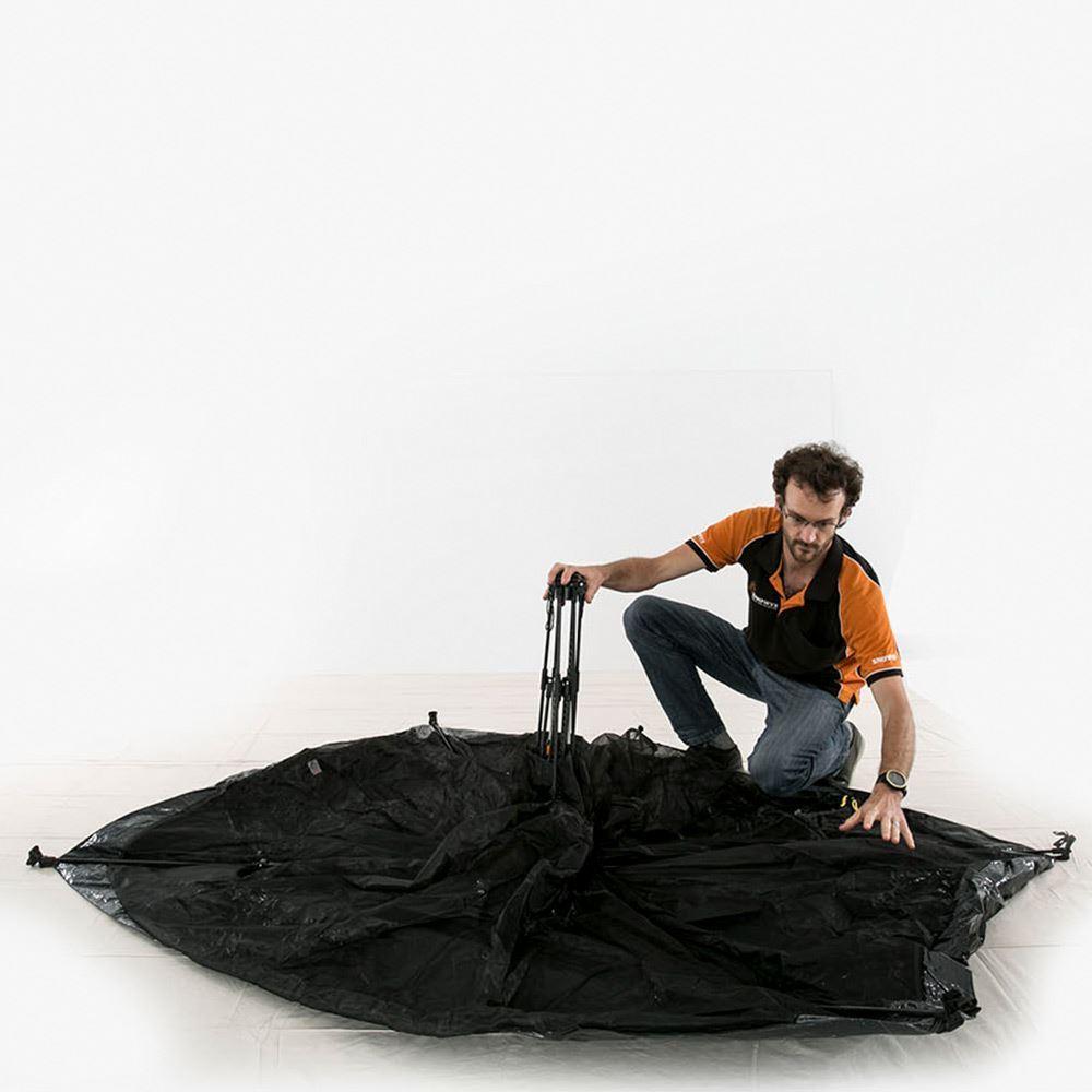 Makin Tracks Mozzie Mesh Tent Pop Up Mozzie Dome Set Up 3