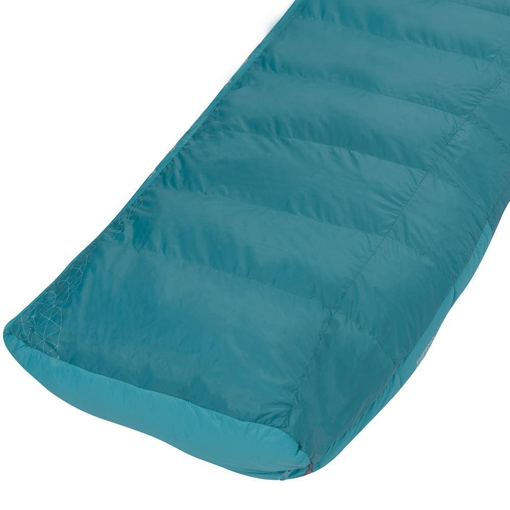 Sea To Summit Altitude At2 Right Zip Wmn's Sleeping Bag (-10°C) Anatomically shaped footbox allows maximum down lofting, minimising heat loss from your feet
