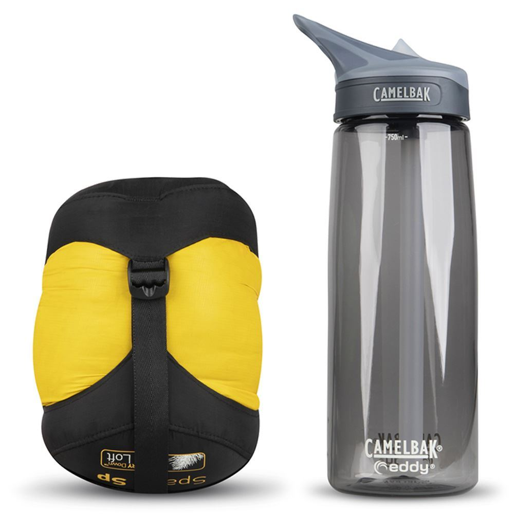 Sea To Summit Spark SP1 Sleeping Bag - Size comparison with Camelbak bottle