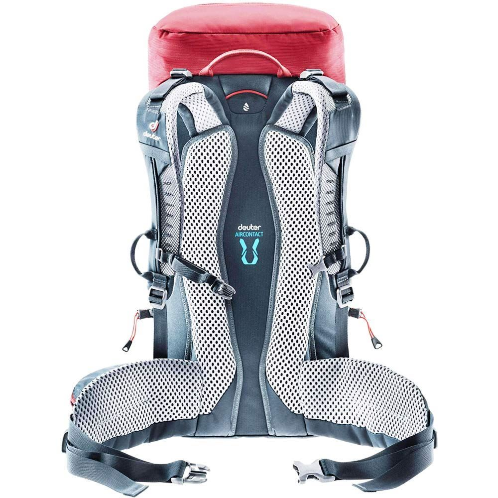 Deuter Trail 22 Daypack Cranberry Graphite backpack sits close to the back even during extensive moves