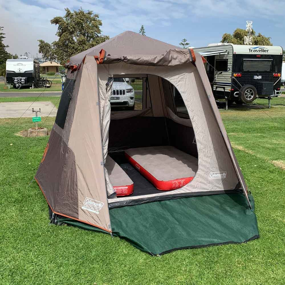 Coleman Instant UP 4P Tent Silver - with Coleman Quickbed Airbed XL Single mats side by side