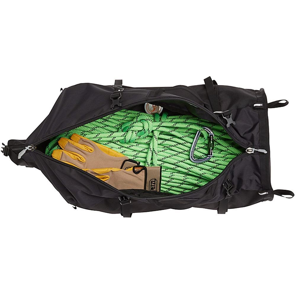 Marmot Rock Gear Hauler 33L Black - Gear inside pack