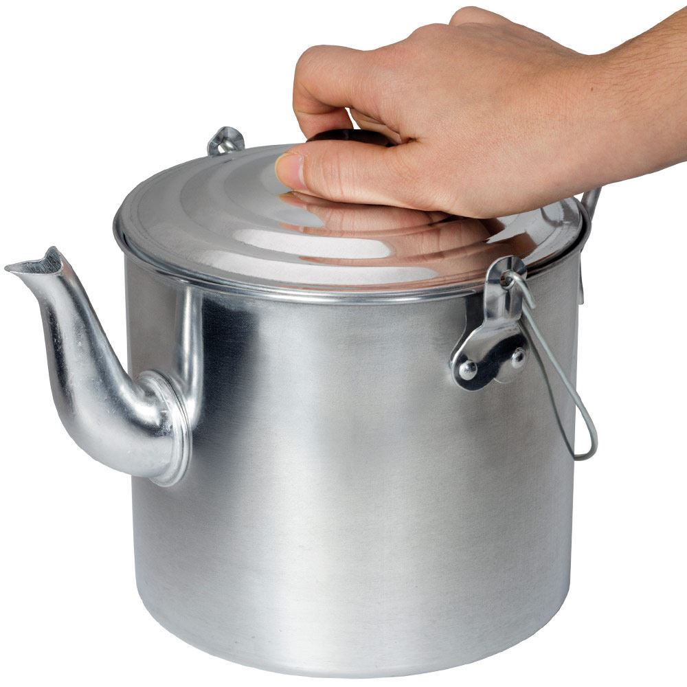 Campfire Billy Teapot Aluminium - Holding by lid knob