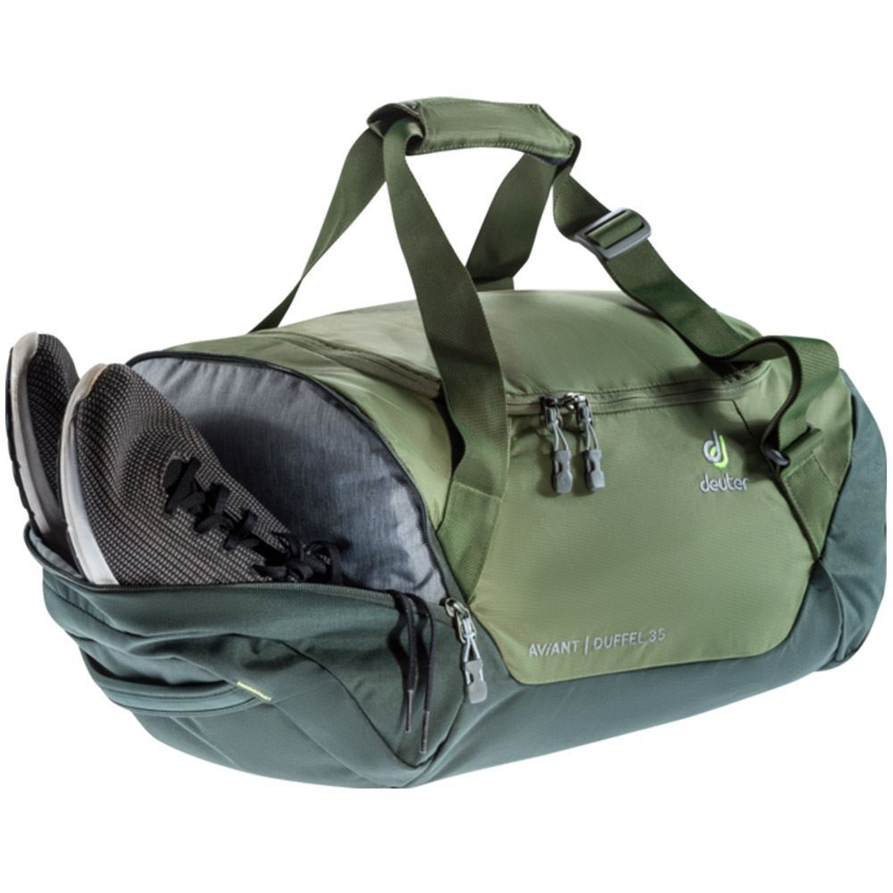 Deuter AViANT Duffel 35 - with shoes in side pocket