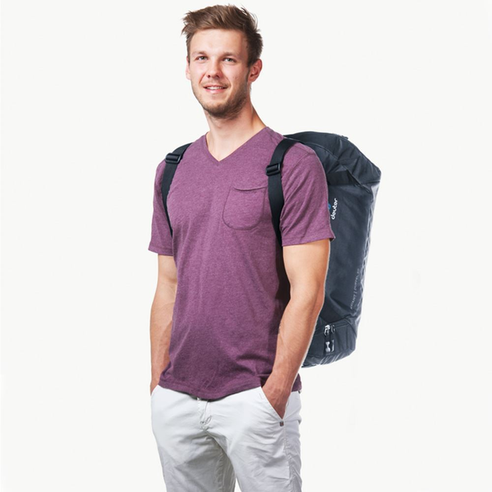 Deuter AViANT Duffel 50 - Man wearing travel backpack