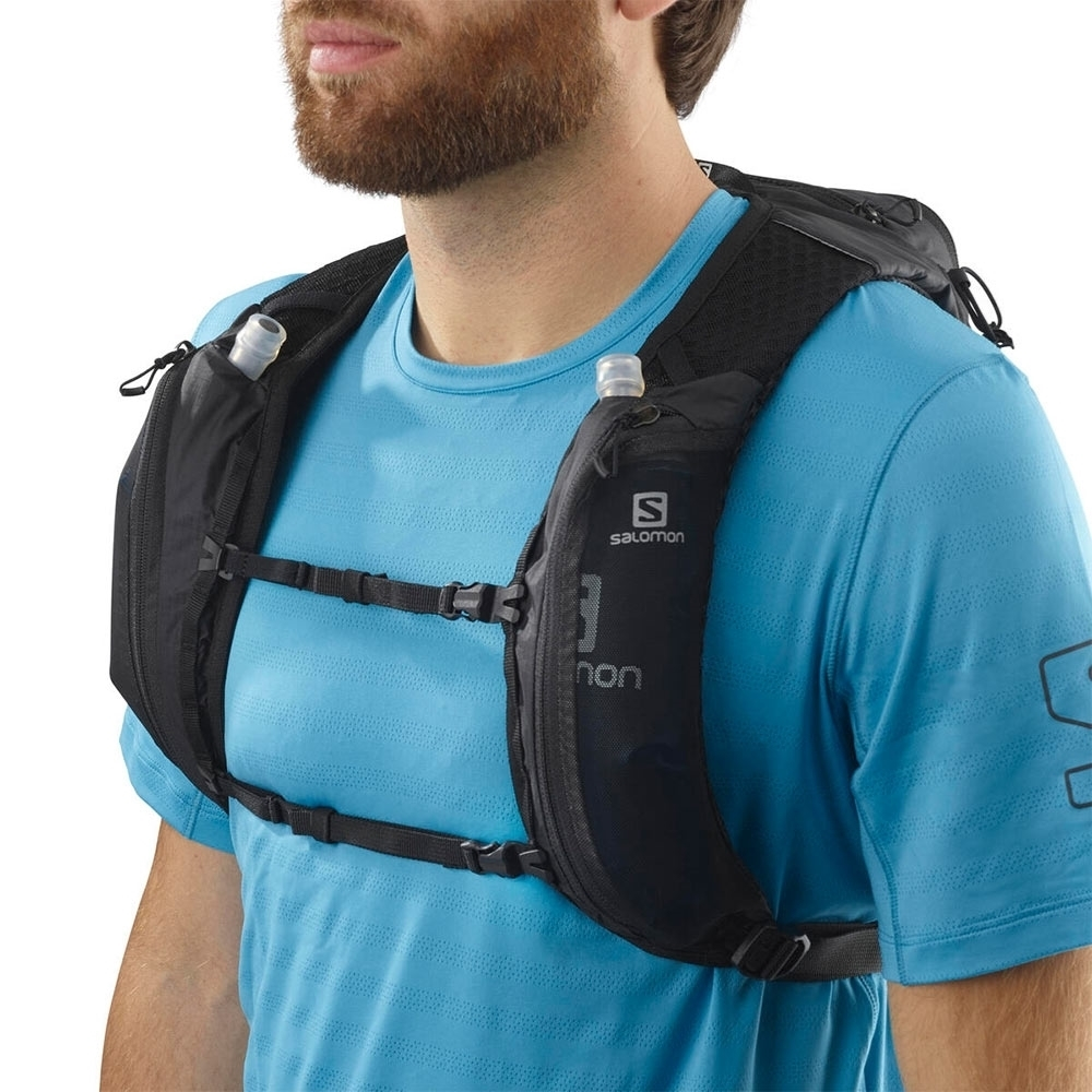 Salomon XT 6 Hydration Pack - Integrated front pockets for easy access to 500ml flasks or small accessories like a mobile phone