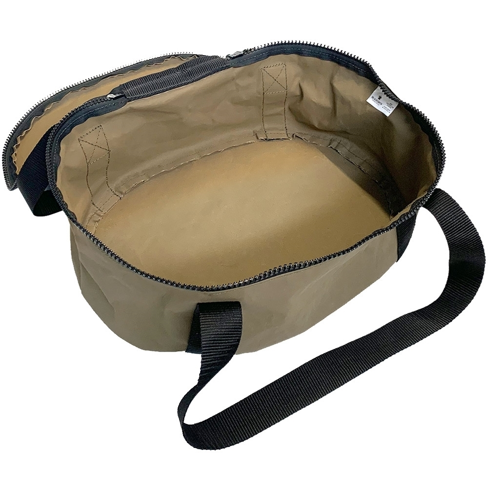 Blacksmith Camping Supplies 10Qt Oval Canvas Camp Oven Bag - Inside bag with marine carpet removed